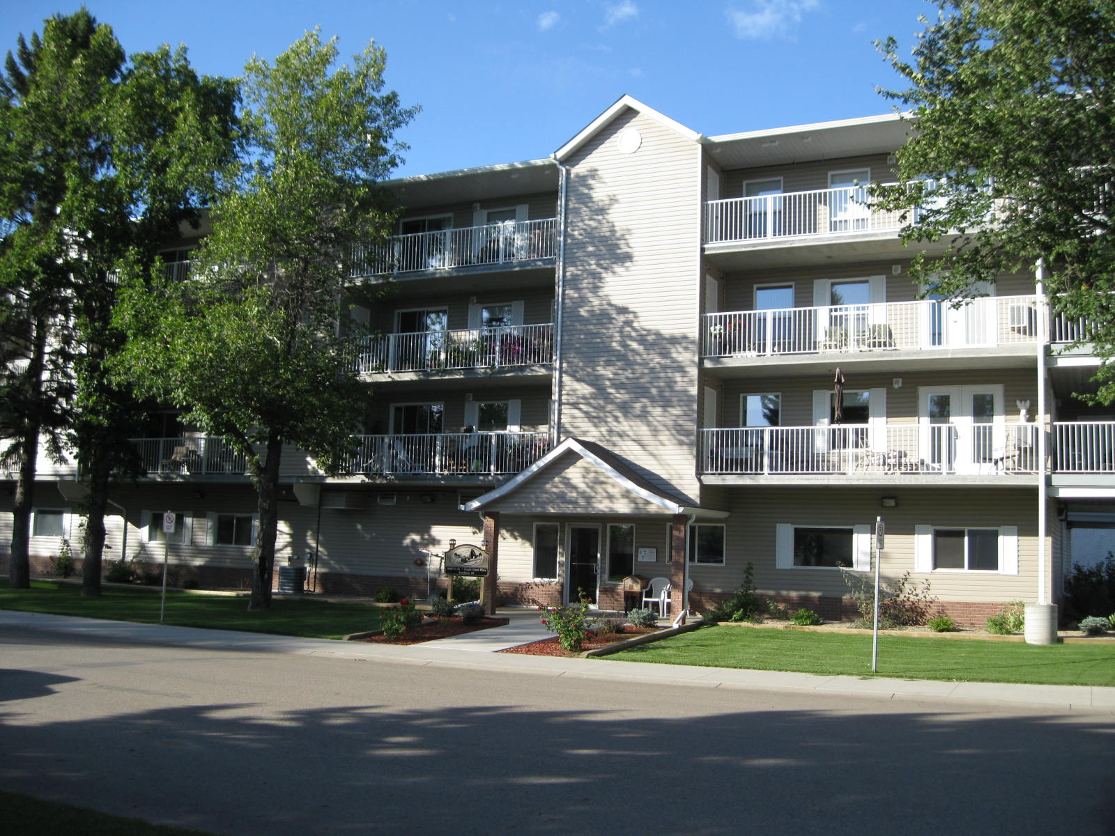 205-2006 7th Street Rosthern( CONDO)